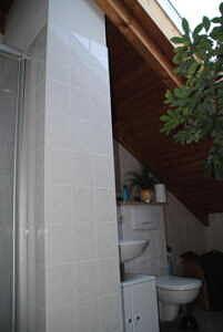 WC + Dusche im Dachgeschoss - Sonniges Reihenhaus mit liebevoll angelegtem Garten, Markt Schwaben