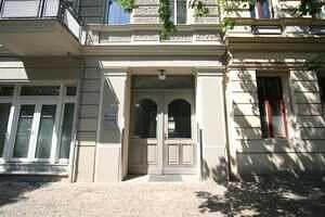 Hausansicht - Zweizimmerwohnung Berlin, Helmholtzplatz sowie Kollwitzplatz direkt nebenan