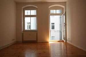 Großes Zimmer - Zweizimmerwohnung Berlin, Helmholtzplatz sowie Kollwitzplatz direkt nebenan