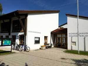 Bürgerhaus und Gemeindebücherei Neukeferloh