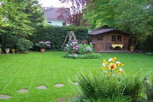 Einfamilienhaus Vaterstetten Blick in den Garten