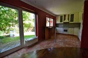 Doppelhaushälfte Vaterstetten Küche mit Ausgang zur Terrasse