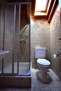 Doppelhaushälfte Vaterstetten WC mit Dusche im DG