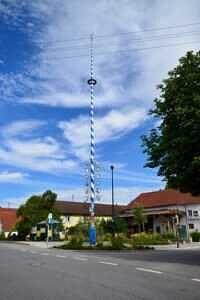 EFH Neufarn-Vaterstetten Maibaum
