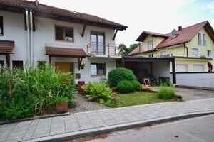 Modernisierte Doppelhaushälfte Grasbrunn - Hausansicht 2