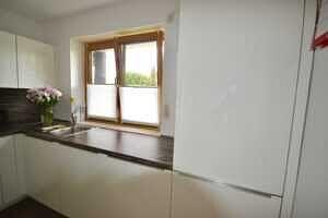 Modernisierte Doppelhaushälfte Grasbrunn - Küche mit EBK, 3