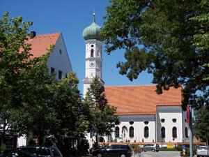 Katholische Pfarrkirche St. Andreas in Kirchheim bei München