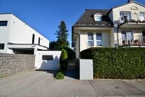 Zugang zum Haus, DG-Maisonette Wohnung Bestlage Waldtrudering