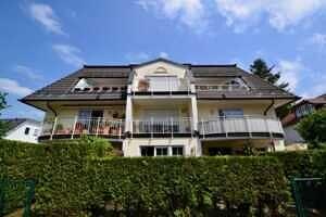 Hausansicht Süd, DG-Maisonette Wohnung Bestlage Waldtrudering
