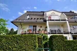 Hausansicht Süd, Ansicht II, DG-Maisonette Wohnung Bestlage Waldtrudering