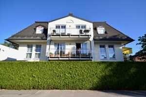 Hausansicht West, DG-Maisonette Wohnung Bestlage Waldtrudering