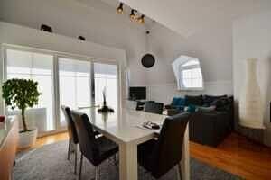 Wohnzimmer, DG-Maisonette Wohnung Bestlage Waldtrudering