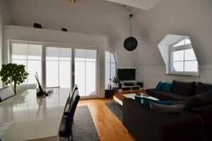 Wohnzimmer, Ansicht II, DG-Maisonette Wohnung Bestlage Waldtrudering