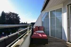 Terrasse, Ansicht II, DG-Maisonette Wohnung Bestlage Waldtrudering
