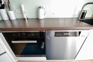 Spülmaschine und Backofen, DG-Maisonette Wohnung Bestlage Waldtrudering