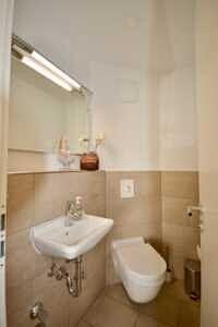 Gäste-WC, DG-Maisonette Wohnung Bestlage Waldtrudering