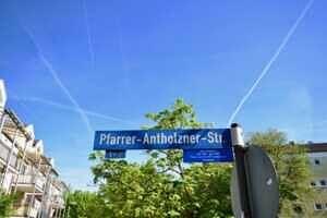 Sehr schöne Wohnung mit großem Südwestbalkon und Garten in ruhiger und zentraler Lage von Kirchseeon Pfarrer-Antholzner-Str