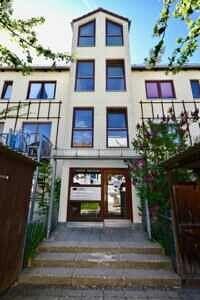 Hauseingang, Wohnung mit Südwestbalkon und Garten in Kirchseeon