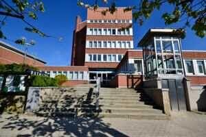 Rathaus Ansicht II - Wohnung mit Südwestbalkon und Garten in Kirchseeon