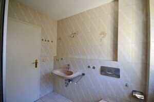 Doppelhaushälfte Vaterstetten - Badezimmer, Ansicht 3