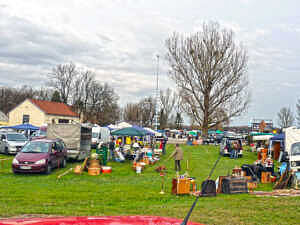 Flohmarkt in Keferloh bei Neukeferloh