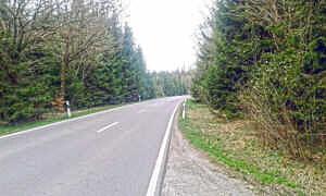 Straße zwischen Grasbrunn und Neukeferloh