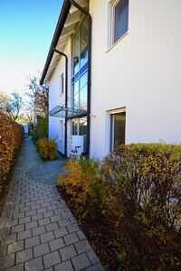 DG-Maisonette-Wohnung Gronsdorf: Hauseingang