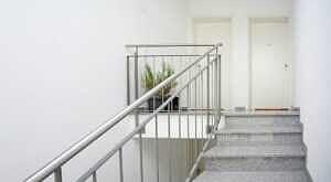 DG-Maisonette-Wohnung Gronsdorf: Treppenhaus
