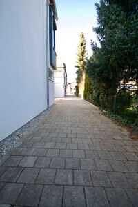 Zufahrt zum Haus - DHH Zorneding zentral