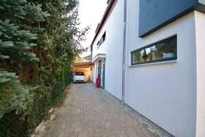Zufahrt zum Haus, Ansicht 2 - DHH Zorneding zentral
