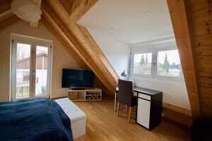 Schlafzimmer mit Gaube, Ansicht 2 - DHH Zorneding zentral