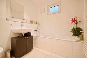 Badezimmer, Ansicht 2 - DHH Zorneding zentral