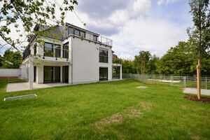 Südgarten - 210 qm - Erstbezug - Exklusive Erdgeschosswohnung mit 210 qm XXL Garten