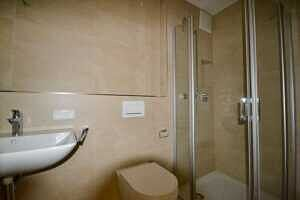 Gäste-WC - Erstbezug - Exklusive Erdgeschosswohnung mit 210 qm XXL Garten