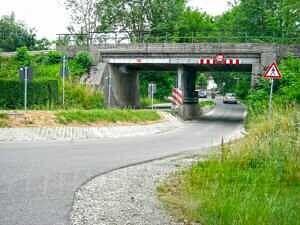Alte Eisenbahnunterführung in Poing